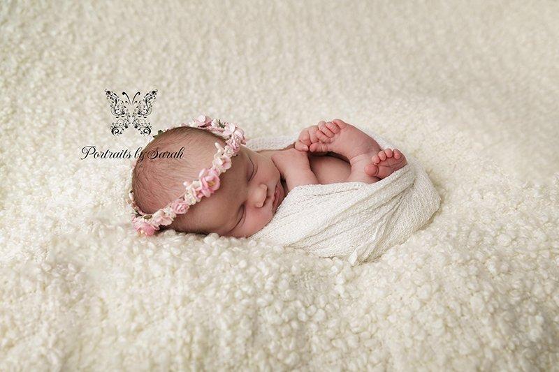 Newborn Photographer Htichin