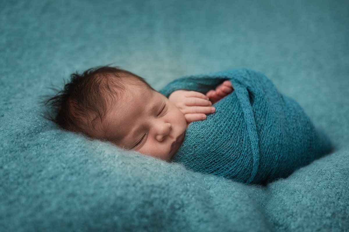 BROXBOURNE NEWBORN PHOTOGRAPHER