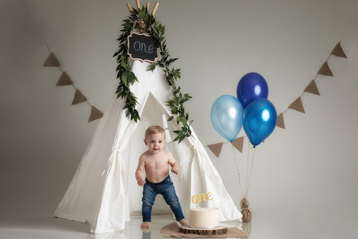 CAKE SMASH PHOTO SHOOT HERTFORDSHIRE